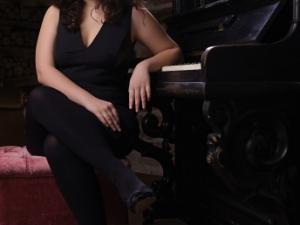 Dilara Vardar, Assistant